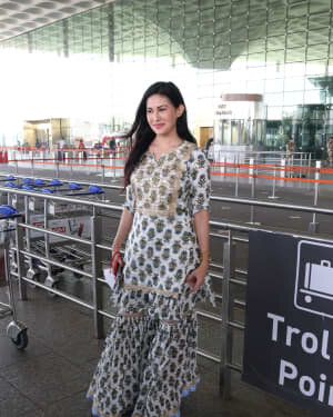 Amyra Dastur - Photos: Celebs Spotted At Airport | Picture 1756102