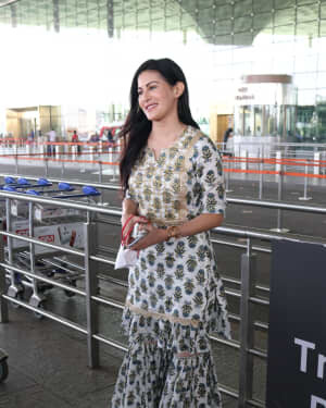 Amyra Dastur - Photos: Celebs Spotted At Airport | Picture 1756105
