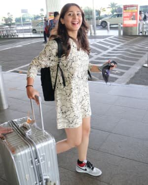 Dhvani Bhanushali - Photos: Celebs Spotted At Airport | Picture 1756131