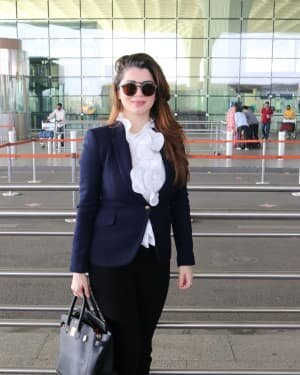 Kainaat Arora - Photos: Celebs Spotted At Airport | Picture 1756100