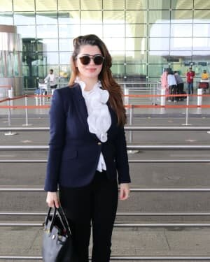 Kainaat Arora - Photos: Celebs Spotted At Airport | Picture 1756096