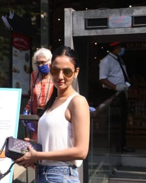 Photos: Sonal Chauhan Spotted At Food Hall | Picture 1756113