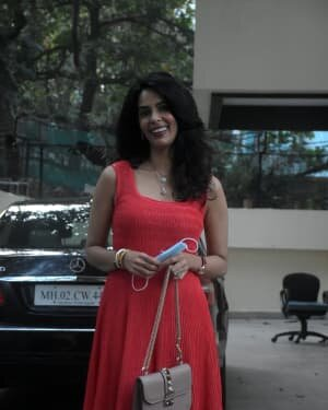 Mallika Sherawat - Photos: Celebs Spotted At Bandra | Picture 1758485