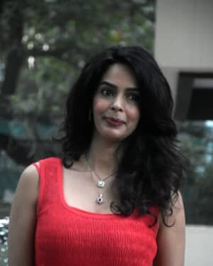 Mallika Sherawat - Photos: Celebs Spotted At Bandra | Picture 1758488