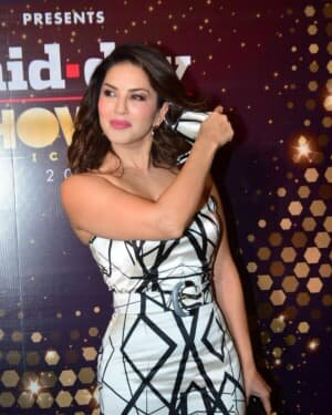 Sunny Leone - Photos: Celebs At Midday Showbiz Icon Awards 2020
