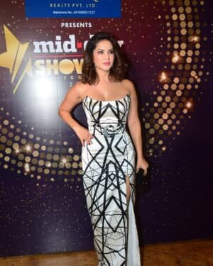 Sunny Leone - Photos: Celebs At Midday Showbiz Icon Awards 2020 | Picture 1759334