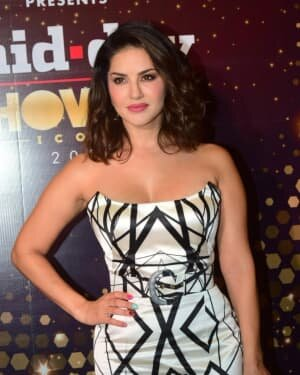 Sunny Leone - Photos: Celebs At Midday Showbiz Icon Awards 2020 | Picture 1759335