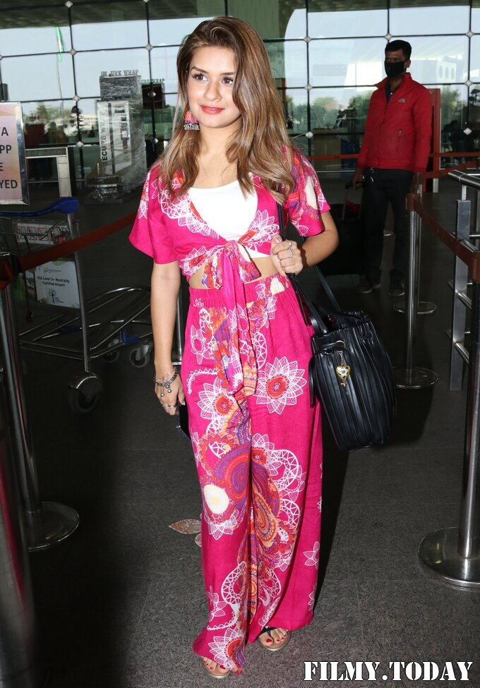 Avneet Kaur - Photos: Celebs Spotted At Airport   Picture 1759471