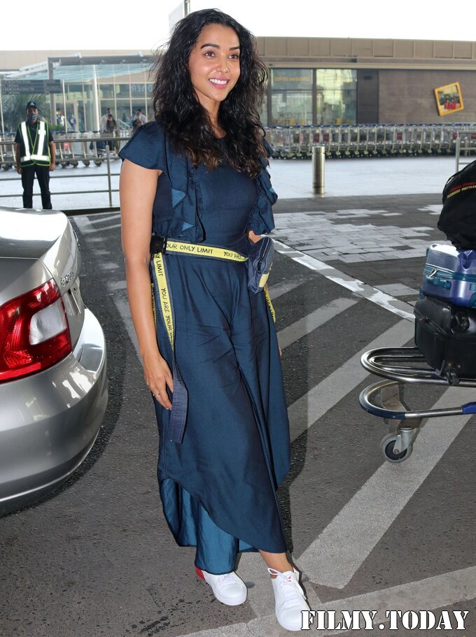 Anupriya Goenka - Photos: Celebs Spotted At Airport | Picture 1759469