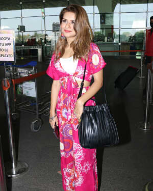 Avneet Kaur - Photos: Celebs Spotted At Airport | Picture 1759472