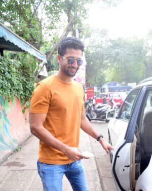 Vicky Kaushal - Photos: Celebs Spotted At Andheri | Picture 1760714