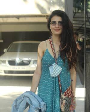 Fatima Sana Shaikh - Photos: Celebs Spotted At Juhu | Picture 1760688