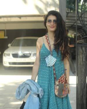 Fatima Sana Shaikh - Photos: Celebs Spotted At Juhu | Picture 1760683