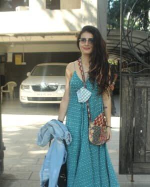 Fatima Sana Shaikh - Photos: Celebs Spotted At Juhu | Picture 1760684