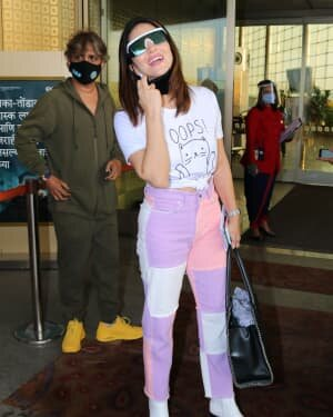 Sunny Leone - Photos: Celebs Spotted At Airport