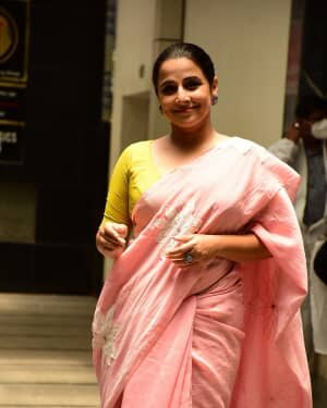 Photos: Vidya Balan Spotted At Siddharth Roy Kapoor's Office | Picture 1745306