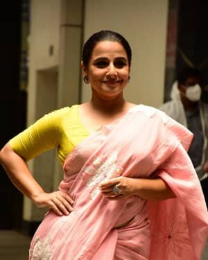 Photos: Vidya Balan Spotted At Siddharth Roy Kapoor's Office | Picture 1745308
