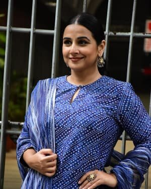 Photos: Vidya Balan Spotted At Siddharth Roy Kapoor's Office | Picture 1745314