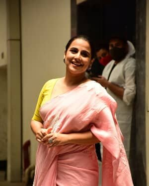 Photos: Vidya Balan Spotted At Siddharth Roy Kapoor's Office | Picture 1745302