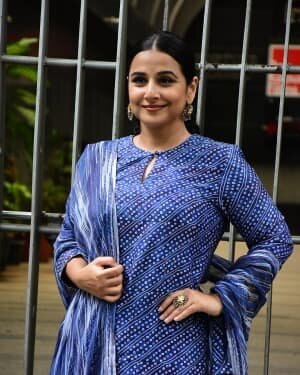 Photos: Vidya Balan Spotted At Siddharth Roy Kapoor's Office | Picture 1745310
