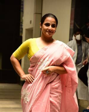 Photos: Vidya Balan Spotted At Siddharth Roy Kapoor's Office | Picture 1745307