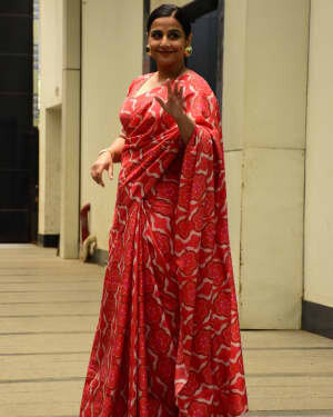 Photos: Vidya Balan Spotted At Siddharth Roy Kapoor's Office | Picture 1745300