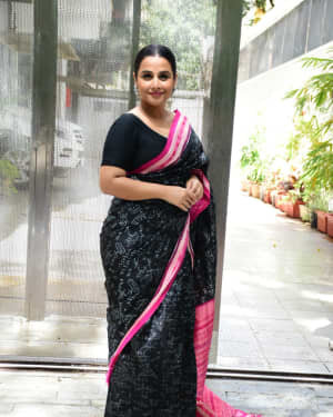Photos: Vidya Balan Spotted At Siddharth Roy Kapoor's Office | Picture 1745921