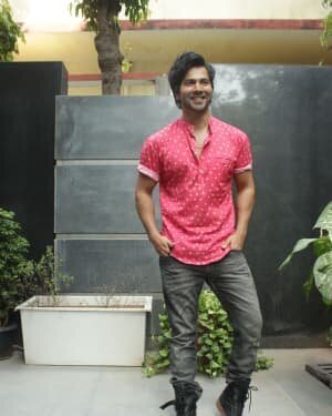 Varun Dhawan - Photos: Promotion Of Film Coolie No 1 At Pooja Films Office | Picture 1750964