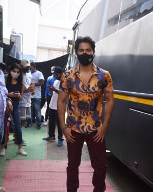 Varun Dhawan - Photos: Promotion Of Film Coolie No 1 At Mehboob Studio | Picture 1751070