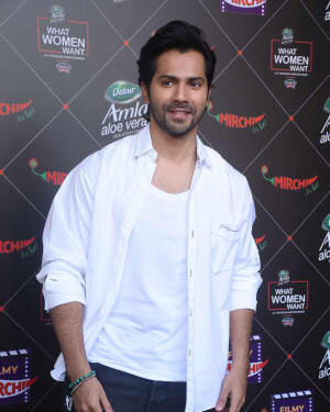 Varun Dhawan - Photos: Promotion Of Film Coolie No 1 At Mehboob Studio | Picture 1751083