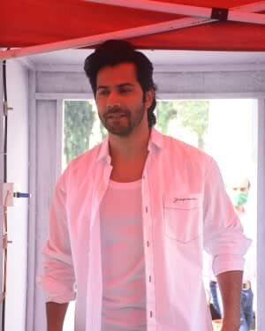 Varun Dhawan - Photos: Promotion Of Film Coolie No 1 At Mehboob Studio | Picture 1751082