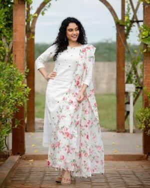 Rupa Manjari Latest Photos | Picture 1751343