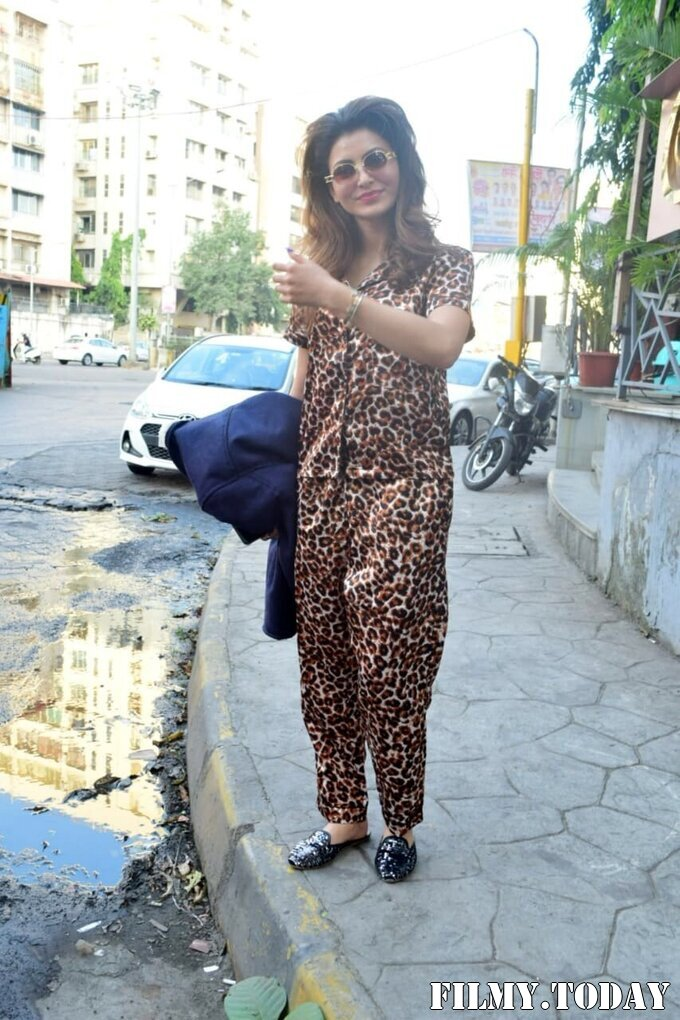 Urvashi Rautela - Photos: Celebs Spotted At Juhu | Picture 1751727