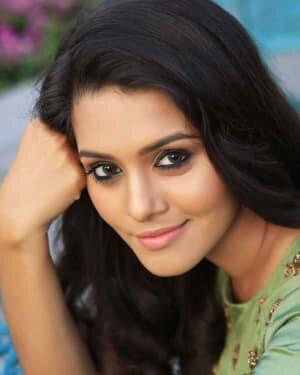 Actress Swathishta Krishnan Photos | Picture 1749711