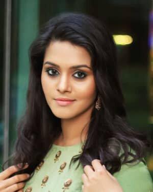 Actress Swathishta Krishnan Photos | Picture 1749709