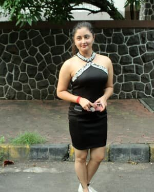 Rashami Desai - Photos: Celebs Spotted At Andheri
