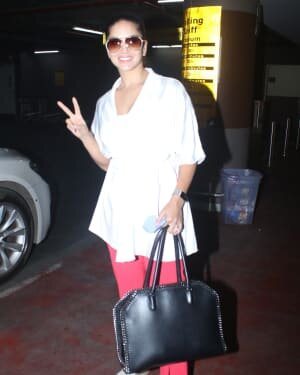Sunny Leone - Photos: Celebs Spotted At Airport | Picture 1782884