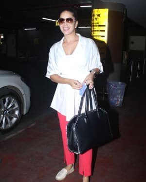 Sunny Leone - Photos: Celebs Spotted At Airport | Picture 1782886