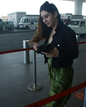 Warina Hussain - Photos: Celebs Spotted At Airport | Picture 1782870