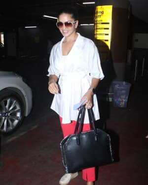Sunny Leone - Photos: Celebs Spotted At Airport | Picture 1782885