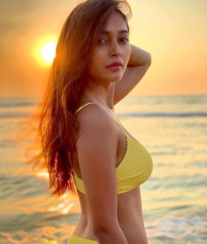 Actress Akriti Singh Hot Photoshoot   Picture 1784507