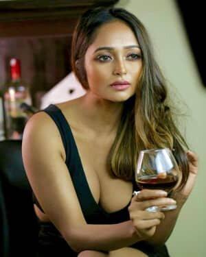Actress Akriti Singh Hot Photoshoot   Picture 1784395