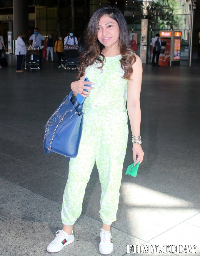 Tulsi Kumar - Photos: Celebs Spotted At Airport | Picture 1785165