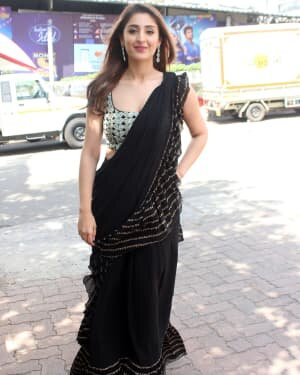 Dhvani Bhanushali - Photos: Celebs On The Sets Of Indian Idol At Filmcity | Picture 1786752