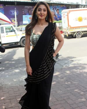 Dhvani Bhanushali - Photos: Celebs On The Sets Of Indian Idol At Filmcity | Picture 1786755