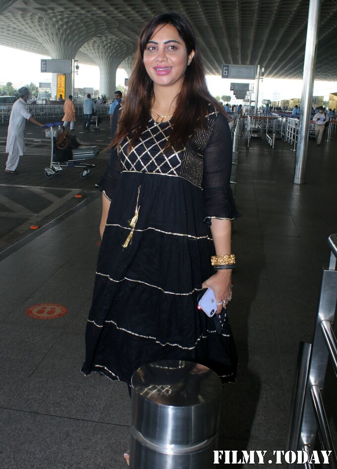 Arshi Khan - Photos: Celebs Spotted At Airport | Picture 1789057