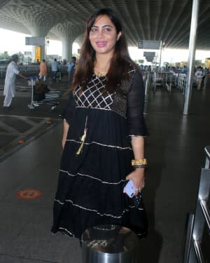 Arshi Khan - Photos: Celebs Spotted At Airport