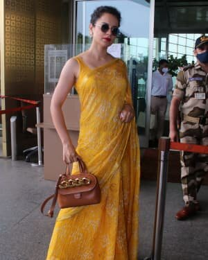 Kangana Ranaut - Photos: Celebs Spotted At Airport   Picture 1790080