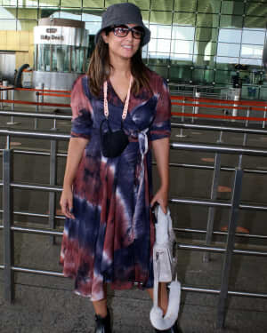 Hina Khan - Photos: Celebs Spotted At Airport | Picture 1789045