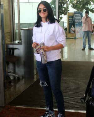 Mrunal Thakur - Photos: Celebs Spotted At Airport | Picture 1790062